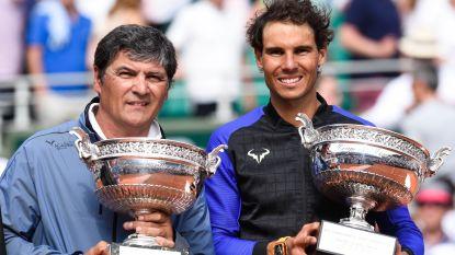 """Ex-trainer en nonkel van Nadal: """"Federer gaat geen Grand Slam meer winnen"""" - Italiaans duo opnieuw langdurig geschorst"""