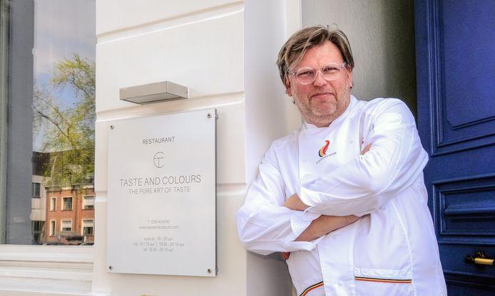 Het terras van Taste and Colours, we zien op de foto chef-kok Dirkjan Decock, blijft dicht