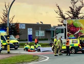 Fietsster (26) kritiek na aanrijding door vrachtwagen op kruispunt aan Syntra West