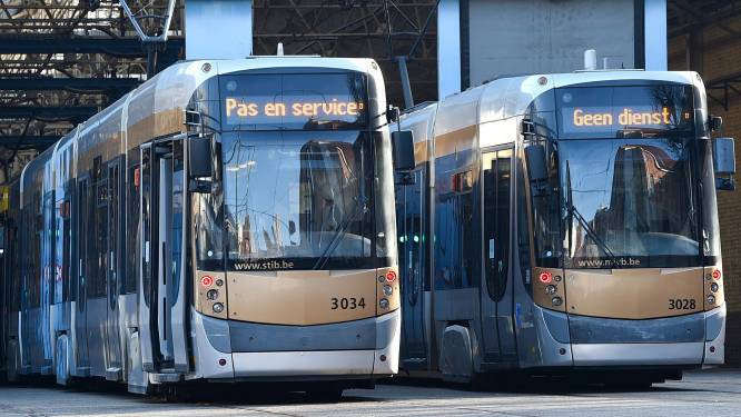 Betoging tegen loonnormwet: alternatieve dienstverlening bij De Lijn, één op vier metro's rijdt in Brussel