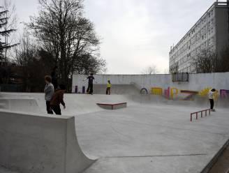 Skaters in de wolken door kunstproject Casacourt op Albert Dejongheplein