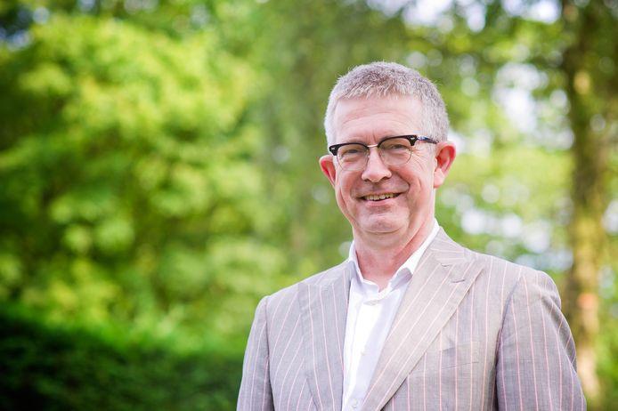 Bestuurskundige Paul Frissen is een van de twee onderzoekers in Ermelo.