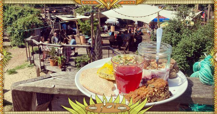 Zondagochtend brunch in Bar Bricolage: homemade, biologisch, seizoensgebonden, vers en vegetarisch of vegan.
