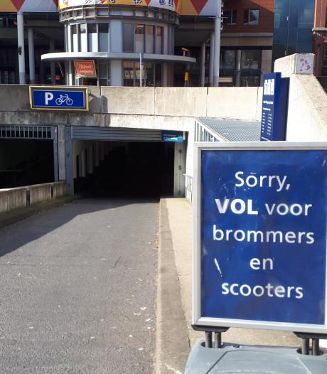 Scooterstalling weer vol, maar op meer plek hoeft de scooteraar niet te rekenen