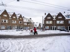 Fietser ergert zich aan rijwielpaden vol sneeuw en ijs in Arnhem