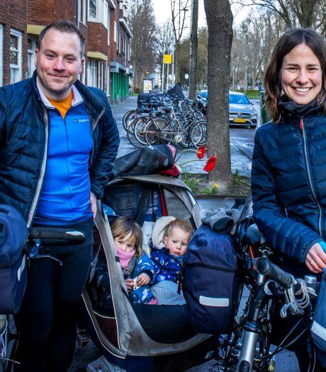 Janpeter en Lilian maken fietstocht van 1500 (!) kilometer samen met hun kleintjes van 1 en 3