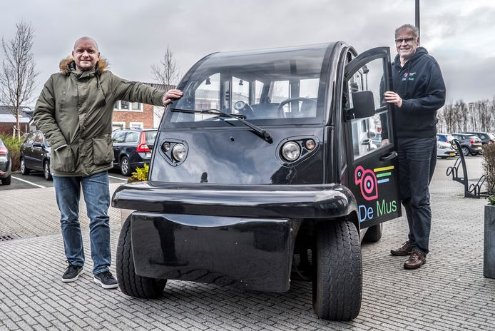 George Walther (links) is maar wat blij dat De Mus vanaf maandag weer mag rijden.