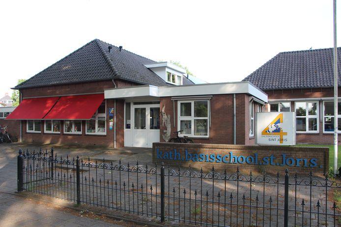 De gemeente Berkelland heeft een huisvestingsplan opgesteld voor alle scholen. De St Jorisschool in Borculo moet een integraal kindcentrum worden met kinderopvang Avonturijn.