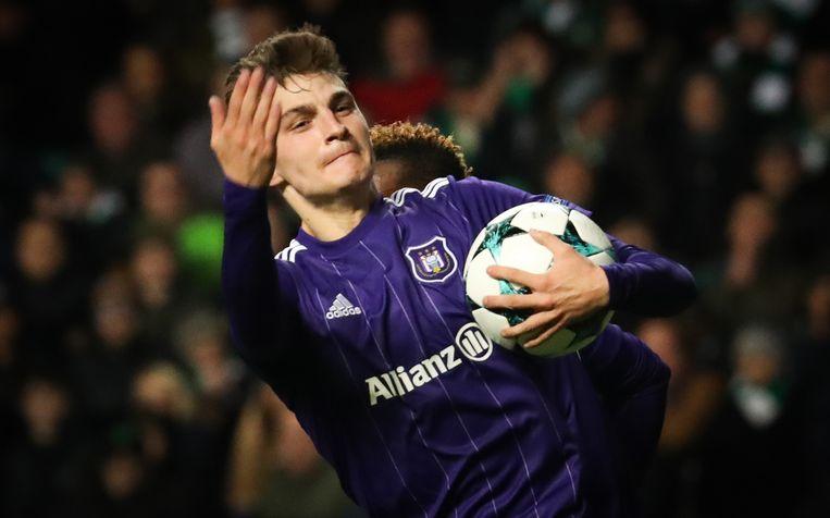 Gerkent juicht om de goal van Anderlecht in Celtic Park.