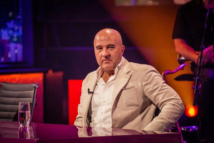 De Nederlandse misdaadjournalist John van den Heuvel in 'De Cooke & Verhulst Show'