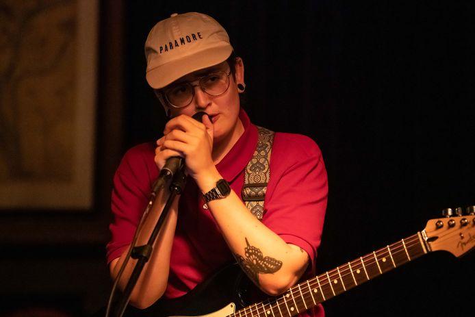 De Almelose Lotta Rasva van de band Get Jealous won tijdens de Popronde in 2019 de Paul Smits Award, als meest geliefde performer.