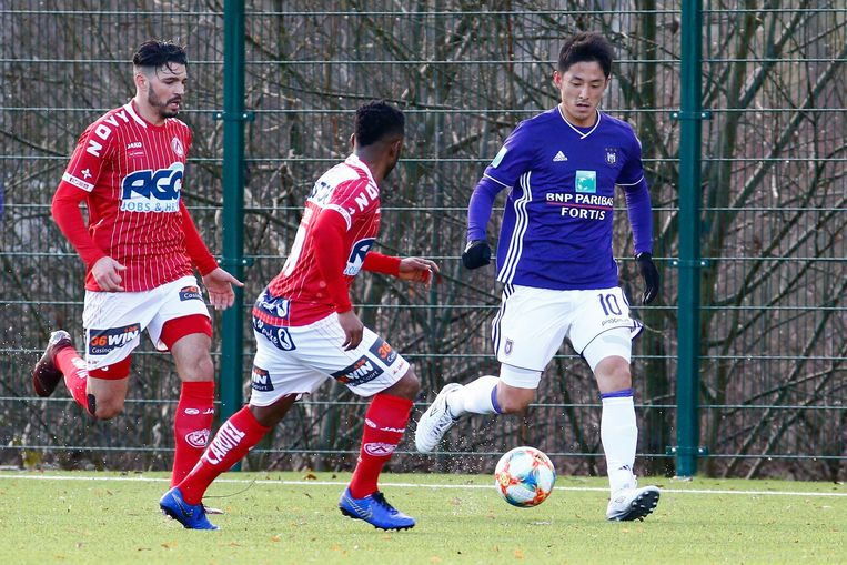 Morioka maandag in actie op Neerpede tijdens een oefenmatch tegen Kortrijk.