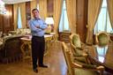 Patokh Chodiev in zijn 19de-eeuwse villa in Moskou, een van de eigendommen die hij bezit.