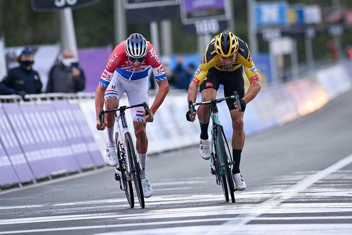 Greg Van Avermaet aime la façon de courir de Wout Van Aert et de Mathieu van der Poel, mais il est aussi impatient de les affronter.
