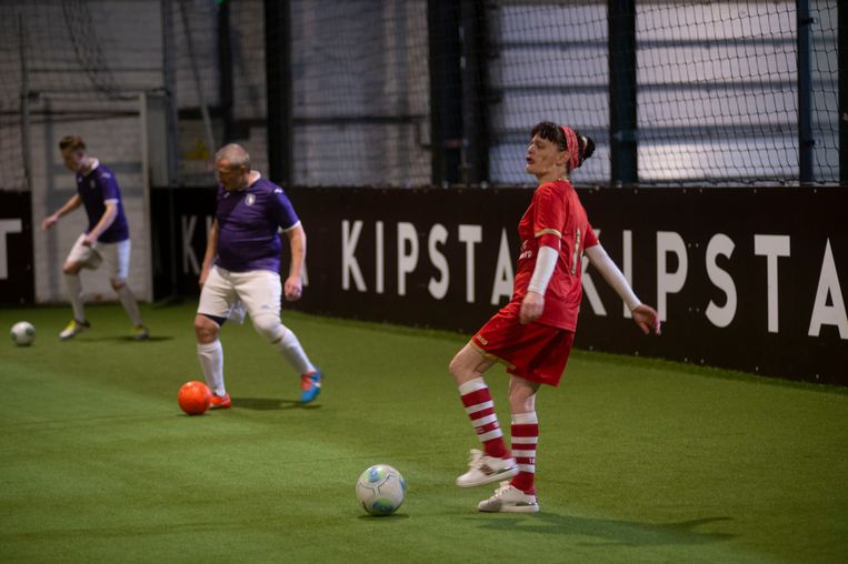 Voorstelling homeless voetbal project
