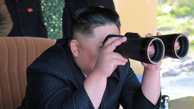 Noord-Korea lanceert weer raketten, VS neemt schip in beslag