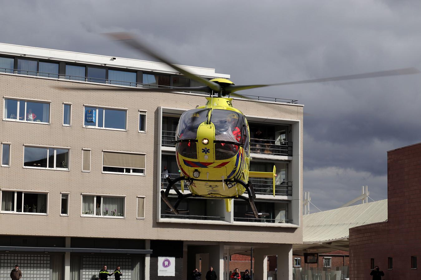 Persoon in Waalwijk zwaar gewond na val van trap.