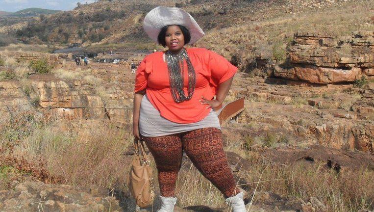 Grace Kgwale: 'Ik wil wel afvallen zodat ik fitter word, maar niet te veel. Slank zijn is niets voor mij. Mijn vriend viel op mij vanwege mijn omvang.' Beeld Niels Posthumus
