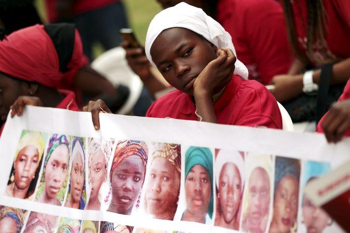 Beeld van een protest na de ontvoering van de schoolmeisjes in 2015, 500 dagen na de kidnapping.