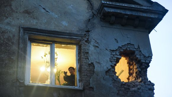 Een huis in Donetsk na beschietingen, eergisteren.