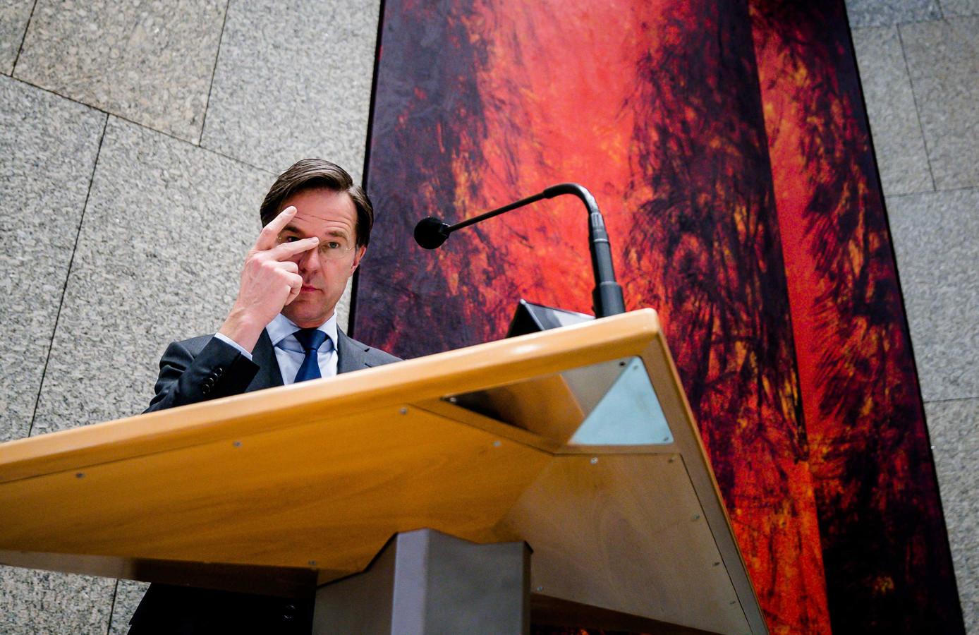 VVD-leider Mark Rutte tijdens het Kamerdebat over de mislukte formatieverkenning. Aan de verkenning kwam abrupt een einde toen een notitie over die gesprekken door een blunder van verkenner Kajsa Ollongren (D66) op straat kwam te liggen.