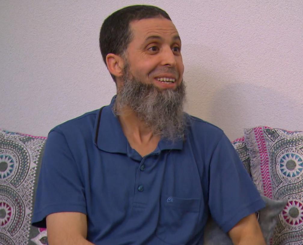 Hamid in zijn huis.