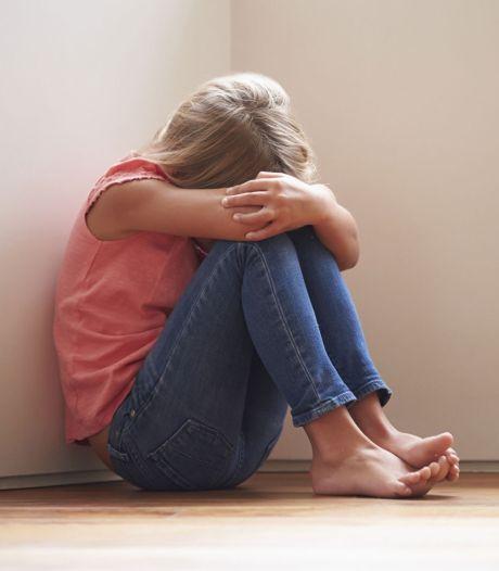 Nieuwsoverzicht | Zeven meisjes misbruikt door oppas - Jongetje (13) reist in z'n eentje van Syrië naar Brabant