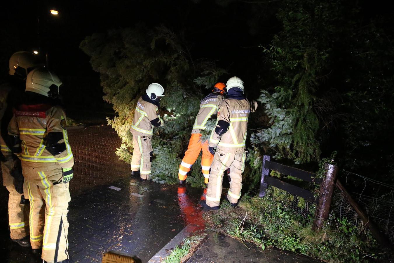 De storm zorgde ook in Daarlerveen voor problemen