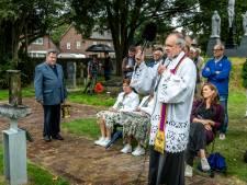 Taboe rond zelfdoding in Bergeijk doorbroken met onthulling en zegening monument: 'Als de angst om te leven groter is dan de angst om te sterven'