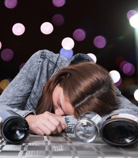 Minderjarig en alcohol drinken op strand Breskens gaan niet samen