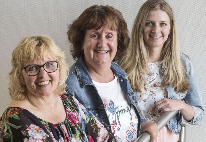 Het coördinerende team van Mantelzorg Almelo. V.l.n.r.: Gerda Wessels, Jaquelien ter Beek en Anne van der Raadt.