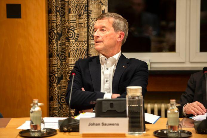 Johan Sauwens van Trots op Bilzen maakt voorbehoud over de wettelijkheid van de installatie van de gemeenteraad en aanstelling van burgemeester Bruno Steegen.
