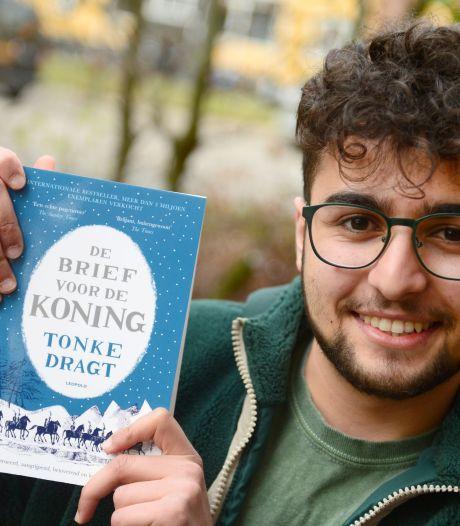 Enschedese PvdA kan dankzij donaties ruim 600 boeken uitdelen een kinderen in groep 8