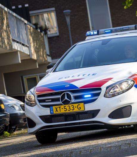 Leeuwarder (15) danst op dak politieauto