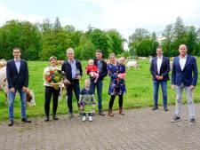 Dit melkveebedrijf uit Denekamp is 'koploper in kringlooplandbouw' en wint Agroscoopbokaal