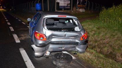 Twee ongevallen op zelfde plaats zorgen voor moeilijke doorgang op N8