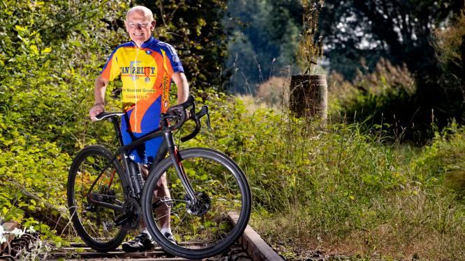 Wielrenner Ties (73) werd na val ereburger van Bayeux, zaterdag draagt hij bevrijdingsvuur over
