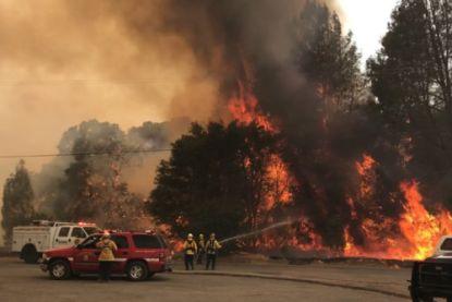 Vier verschillende bosbranden bedreigen 3000 inwoners Noord-Californië