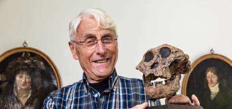 Bioloog Jan van Hooff vindt dat apen en mensen veel op elkaar lijken: ook de chimpansee heeft gevoel voor humor