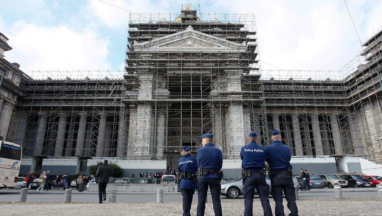 Rond het Brusselse justitiepaleis waren strenge veiligheidsmaatregelen genomen voor de uitspraak van de rechtbank. Beeld BELGA