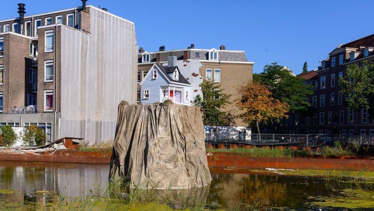 'Nail House' van Leonard van Munster op de Schinkelkade. Beeld René Gerritsen