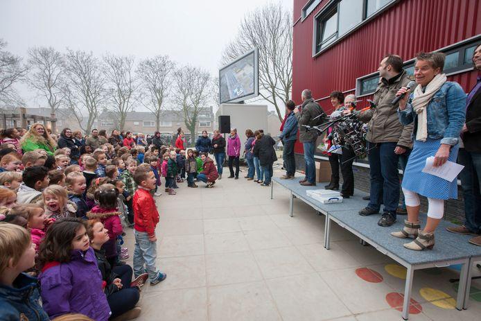 Blije gezichten bij De Plotter, een aantal jaren geleden. De school gaat na de zomer zelf buitenschoolse opvang verzorgen. Die mededeling kwam bij kinderopvangorganisatie Dikkertje Dap hard binnen.
