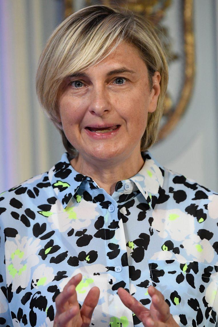 Vlaams minister van Economie Hilde Crevits (CD&V) moest in quarantaine omdat een gezinslid het virus had opgelopen. Zal de handen nog vol hebben met het aanzwengelen van de economie      Beeld Photo News