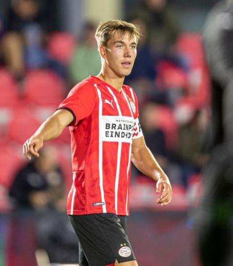 Jonge Nuenense Vos bleek geen gewone welp en gedijt nu goed onder Van Nistelrooy