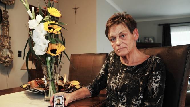 """Verdwaalde briefkaart uit WOII leidt tot reünie van twee families: """"Tot voor kort wist ik niets af van mijn schoonmoeder haar heldendaad"""""""