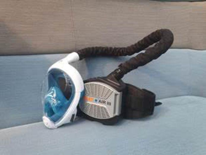 Op de TU Delft hebben onderzoekers een medisch snorkelmasker ontworpen dat geprint kan worden met een 3D-printer. Iedereen met zo'n printer kan de blauwdruk voor het masker gratis gebruiken.