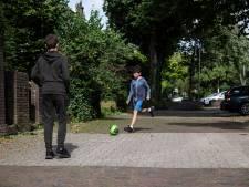 Ouders rondom beroemd speelveld De Buut willen meer speelplekken in 'versteend' Oost: 'Genoeg creatieve oplossingen'
