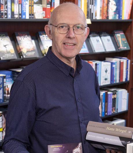 Oorlogsboeken vliegen de winkel uit in Haaksbergen: 'Vooral ouderen kopen oorlogsboeken'