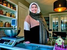 Alaa (29) vluchtte en heeft nu een winkel in Syrische lekkernijen: 'Thuiszitten vind ik maar saai'