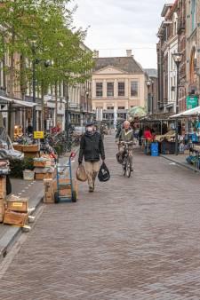 Weekmarkt Zwolle net een potje Tetris: 'Elke verschuiving leidt tot aanpassing op andere plek'